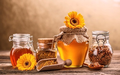 10 Amazing Health Benefits of Liquid Gold Honey